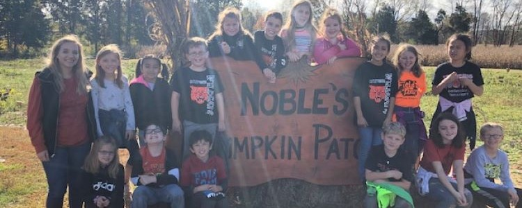 Mrs. Gindlesperger's Class visits Noble's Pumpkin Patch
