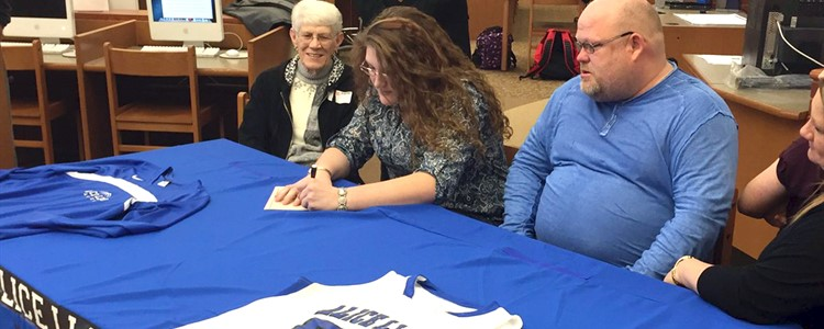 McKenna Adkins signs with Alice Lloyd.